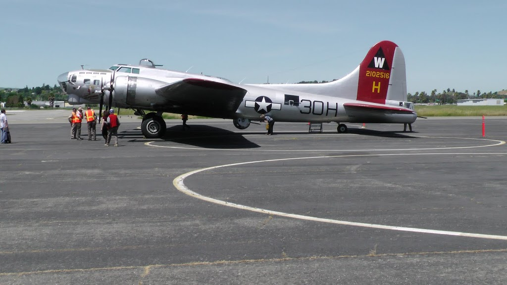 B-17G Aluminum Overcast owned by the Experimental Aircraft Association, Buchanan Field, Concord, CA, 2 May 2011 (Photo: Sarah Sundin)