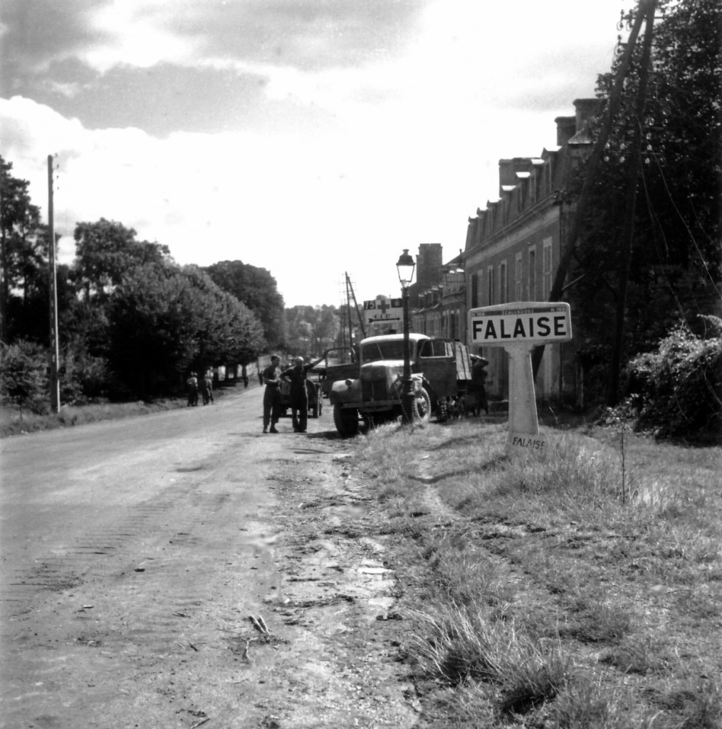Canadian troops in Falaise, Normandy, 17 August 1944 (public domain via WW2 Database)