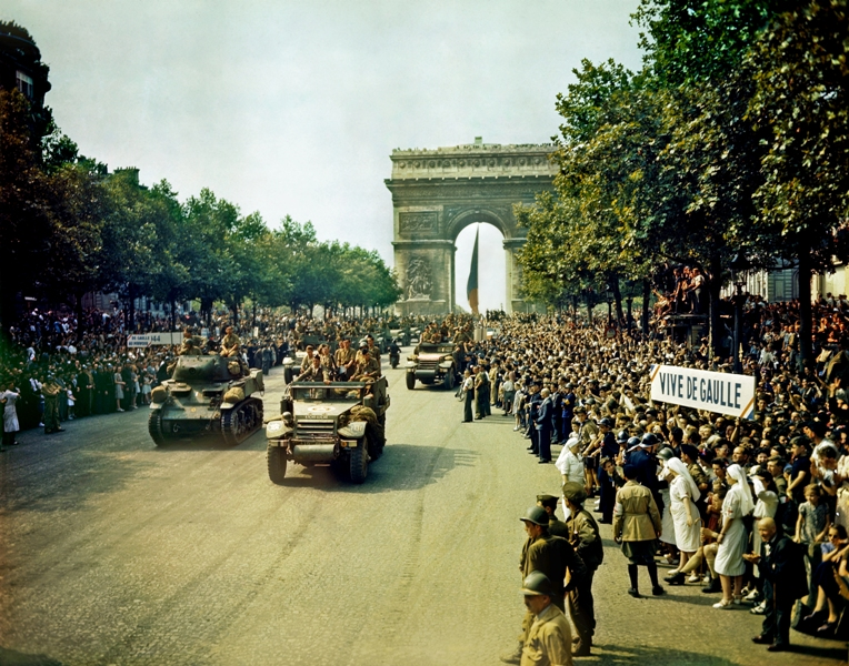 French 2nd Armored Division parading through the Arc de Triomphe, Paris, France, 26 Aug 1944 (US Library of Congress)