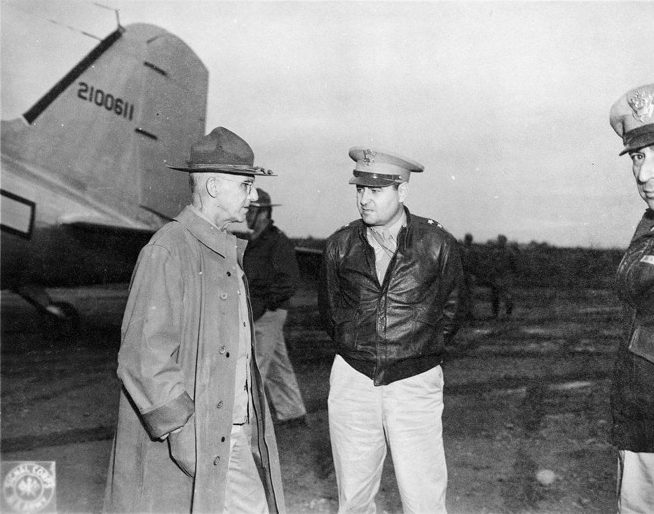 Gen. Joseph Stilwell and Maj. Gen. Curtis LeMay at a US airfield in China, 11 October 1944 (US Library of Congress: LC-USZ62-132808)