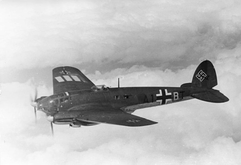 Heinkel He 111 bomber, September 1940 (German Federal Archives: Bild 101I-343-0694-21 / Schödl)