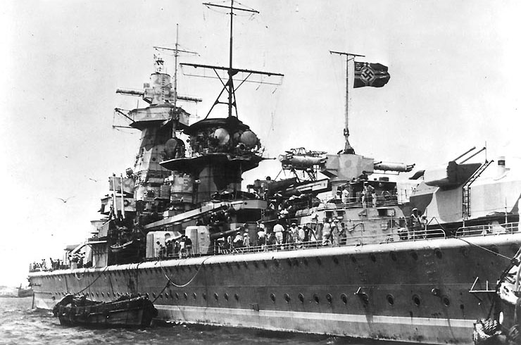Admiral Graf Spee at anchor in Montevideo harbor, Uruguay for repairs, 13-16 Dec 1939 (US Naval History and Heritage Command)