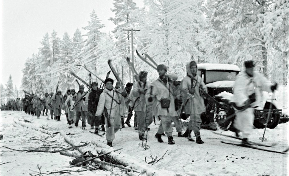 Finnish ski troops marching to the Raate Road, 31 Dec 1939 (public domain via Wikipedia)