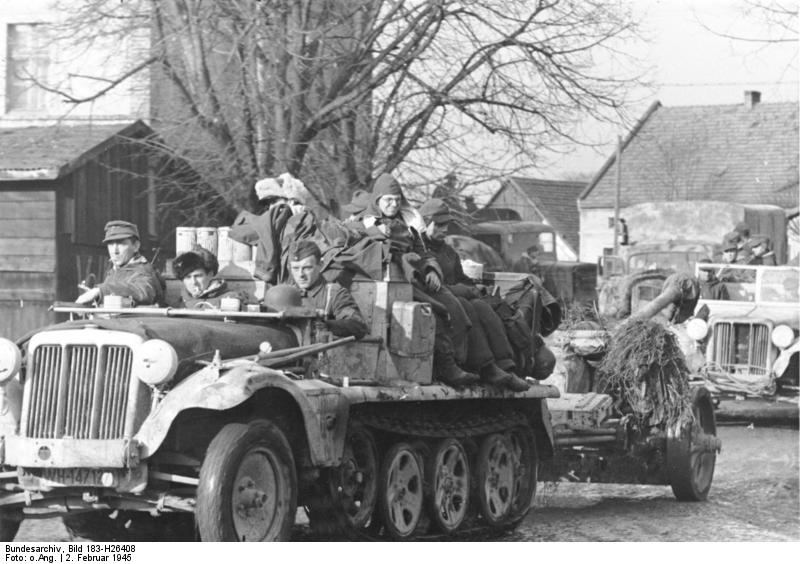 German troops in retreat in the Upper Silesia region, Germany (now Poland), 2 Feb 1945. (German Federal Archive: Bild 183-H26408)