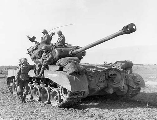 M26 Pershing heavy tank of US 9th Armored Division, near Vettweiss, Germany, Mar 1945 (US Army photo)