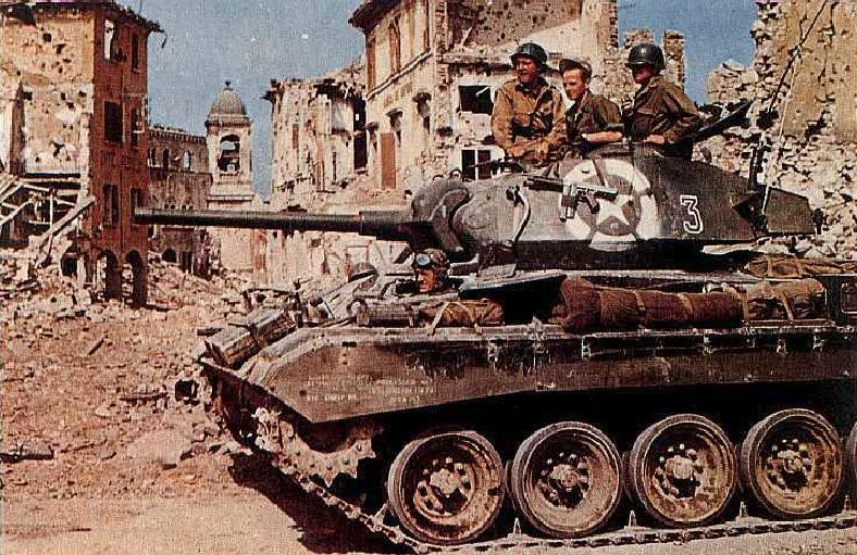 M24 Chaffee light tank of US 1st Armored Division in Bologna, Italy, late Apr 1945 (US Army photo)