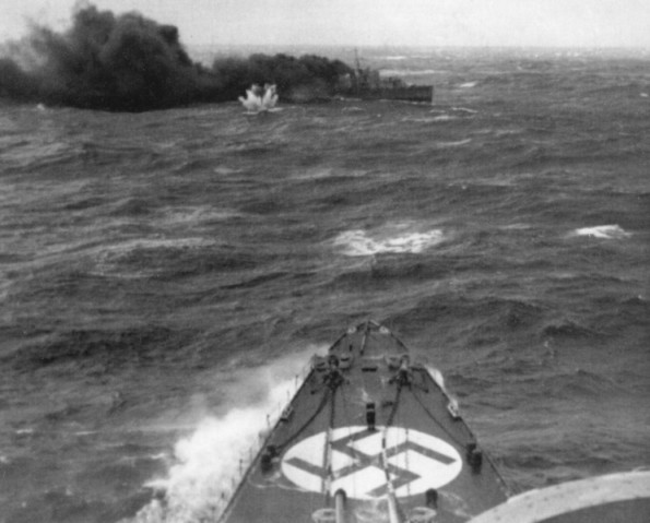 British destroyer HMS Glowworm under attack by German heavy cruiser Admiral Hipper off Norway, 8 April 1940 (public domain via Wikipedia)