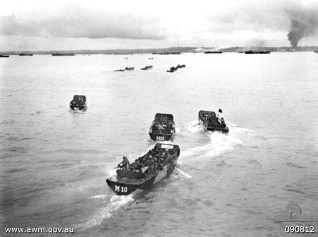 Men of the Australian 2/48 Infantry Battalion in landing craft, Tarakan, Borneo, 1 May 1945 (Australian War Memorial: 090812)