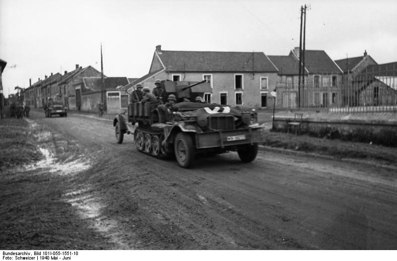 German SdKfz 10/4 vehicle with a mounted 2 cm FlaK 30 anti-aircraft gun, France, May 1940 (German Federal Archive, Bild 101I-055-1551-10)