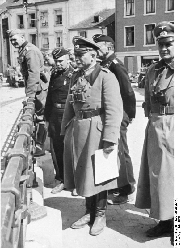 German General Heinz Guderian and other officers in Bouillon, Belgium, 12 May 1940 (German Federal Archive, Bild 146-1980-004-32)