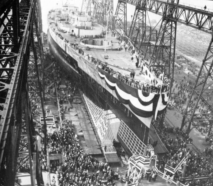 Launching of battleship USS Washington, Philadelphia Navy Yard, PA, 1 Jun 1940 (US Navy photo)