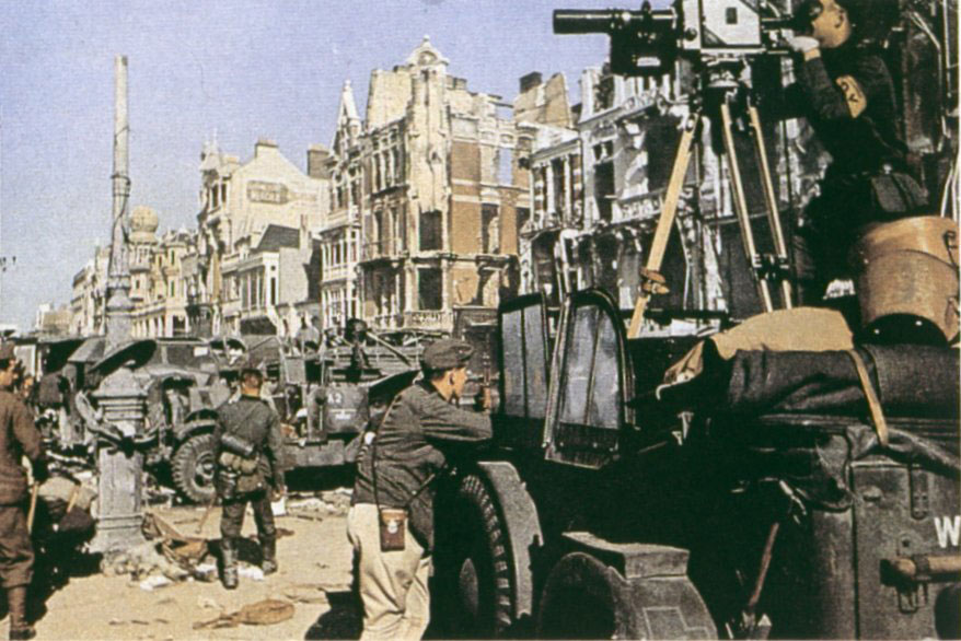 German military camera crew filming in Dunkirk, France shortly after the conquest, Jun 1940 (public domain via WW2 Database)