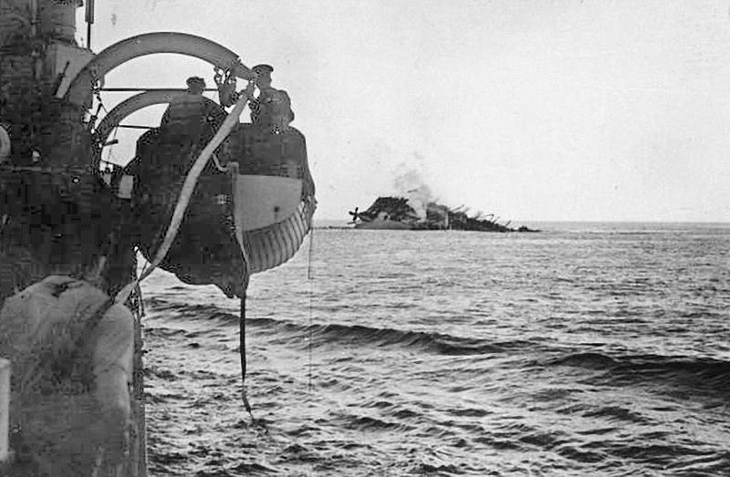 HMT Lancastria sinking off St. Nazaire, France, 17 June 1940 (Imperial War Museum: HU 3325)