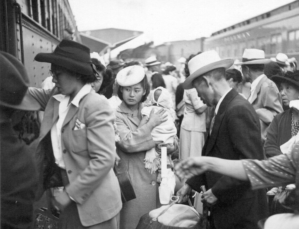 Japanese-Americans returning to Sacramento, CA after being released from Rohwer Center internment camp in McGehee, Arkansas, 30 Jul 1945 (US Library of Congress)