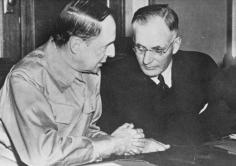 US Gen. Douglas MacArthur and Australian Prime Minister John Curtin meet at Australian Parliament House, 26 March 1942 (Australian government photo NAA A1200, L36449, public domain)