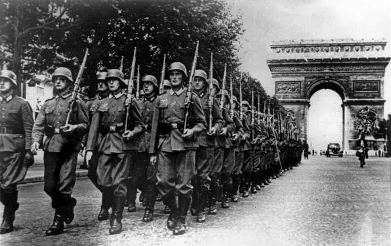 German troops parading down the Champs Élysées in Paris, 14 June 1940 (German Federal Archive: Bild 146-1994-036-09A)