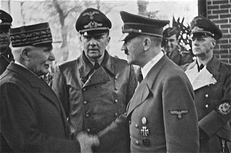 Philippe Pétain and Adolf Hitler at Montoire, 24 October 1940 (German Federal Archive, Bild 183-H25217)