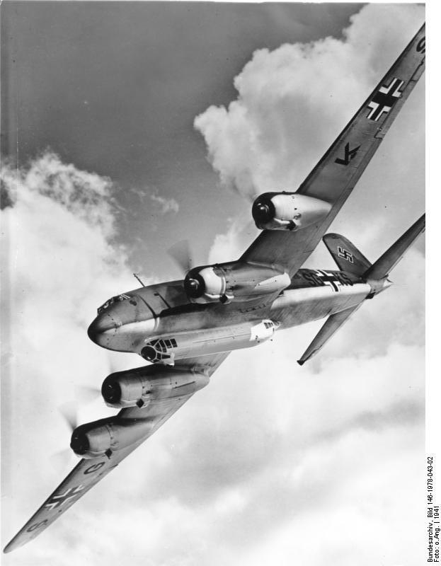 Focke-Wulf Fw 200 C Condor (German Federal Archive, Bild: Bild 146-1978-043-02)