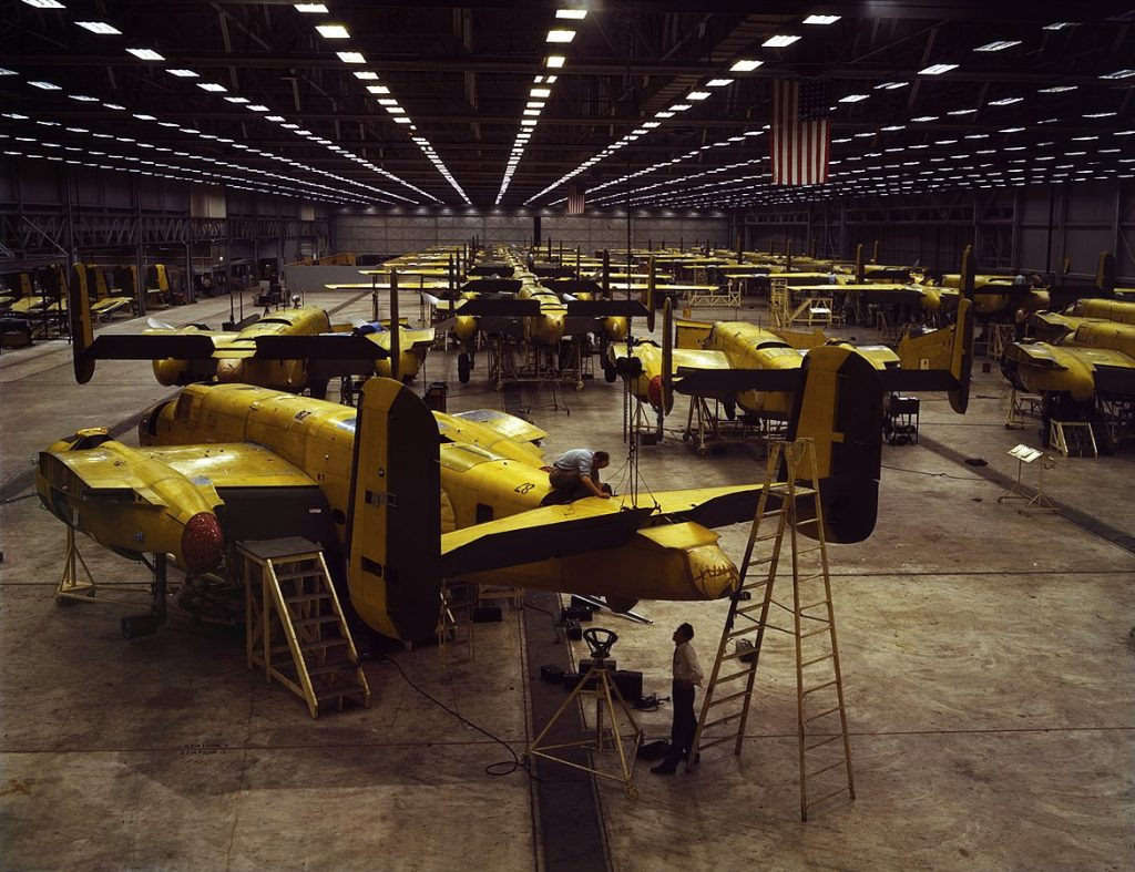 Assembling North American B-25 Mitchell bombers, Kansas City, KS, 1942 (Library of Congress: fsac.1a35291)
