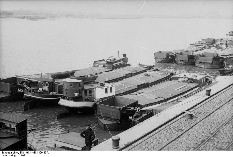 German barges for planned invasion of England, at Wilhelmshaven, 1940 (German Federal Archive: Bild 101II-MN-1369-10A)