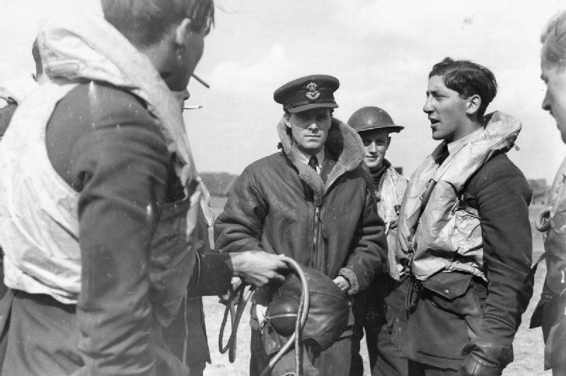 Spitfire pilot of RAF No.610 Squadron recounts how he shot down a Messerschmitt Bf 110, Biggin Hill, September 1940 (Imperial War Museum: HU 104450)