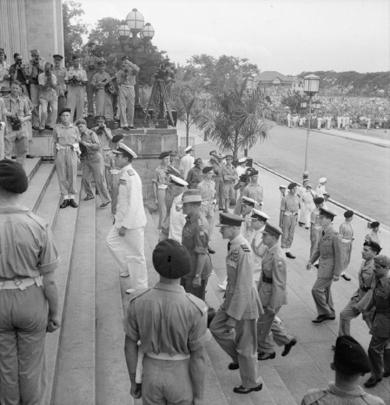Lord Louis Mountbatten and his Chiefs of Staff entering the Municipal Buildings in Singapore, 12 Sep 1945 (Imperial War Museum: CF 717)