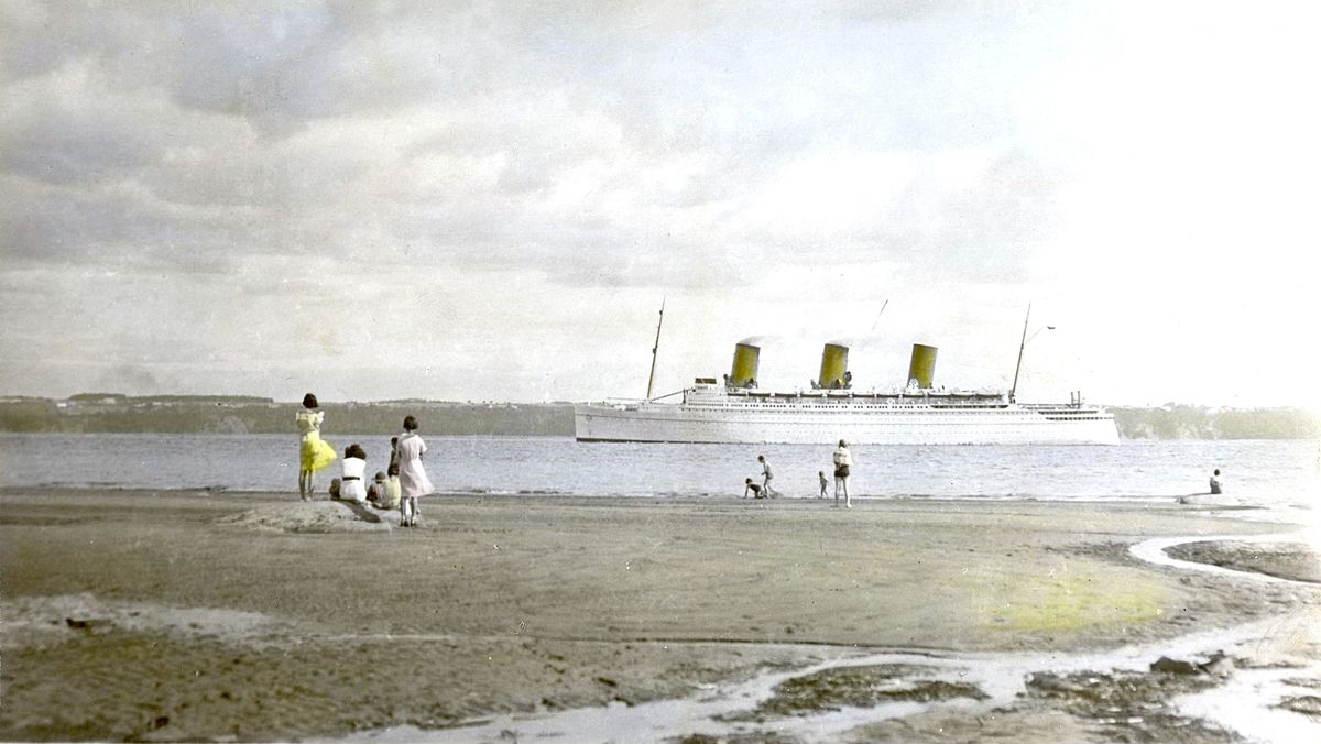 RMS Empress of Britain passing through the Saint Lawrence River near Quebec; photo taken from the Île Orléans, 10 July 1937 (Author Horace Bélinge: Creative Commons, Akera via English Wikipedia)