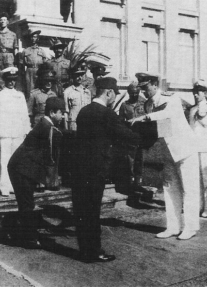 Louis Mountbatten accepting the sword of Hisaichi Terauchi, Saigon, French Indochina, 30 Nov 1945 (public domain via WW2 Database)