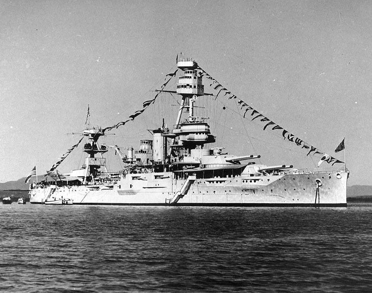Battleship USS Texas decked out for Navy Day, 27 October 1940 (US National Archives: 80-G-464121)