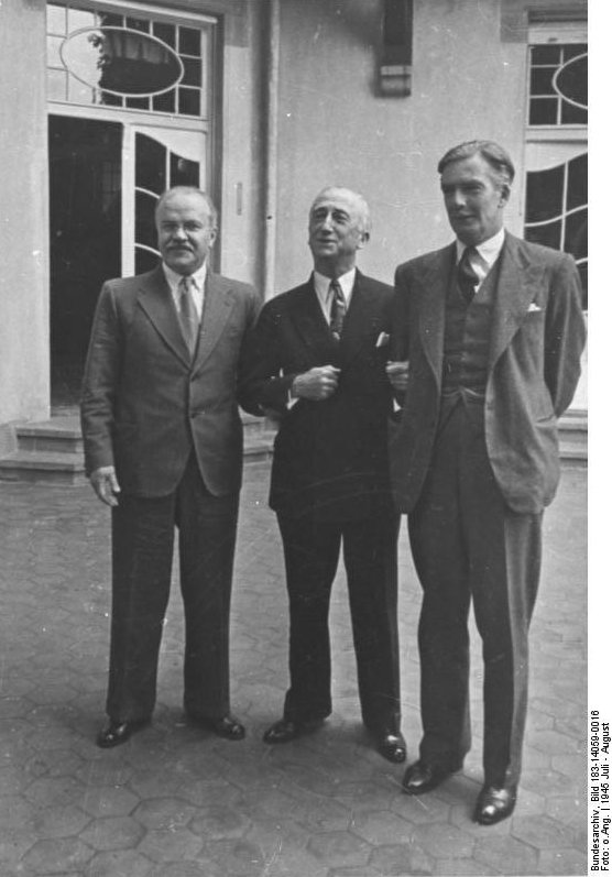 Soviet Foreign Minister Vyacheslav Molotov, US Secretary of State James Byrnes, and British Secretary of State for Foreign Affairs Anthony Eden at Potsdam, Germany, Jul-Aug 1945 (German Federal Archive, Bild 183-14059-0016)