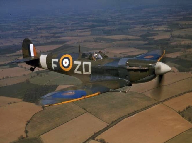 RAF Spitfire Mark VB, No. 222 Squadron, North Weald, Essex, 1942 (Imperial War Museum: COL 188)