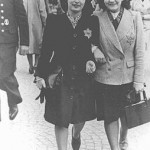 Rozetta Lezer Lopesdias-Van Thyn, left, and a friend, with the compulsory Star of David on their clothing. Amsterdam, the Netherlands, May 1942-1943 (US Holocaust Memorial Museum)