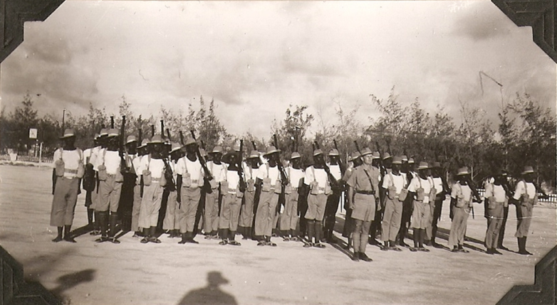 Kenyan troops in 7th Battalion of the Kings African Rifles (KAR) parading in Mogadishu, June 1941 (public domain via Wikipedia)