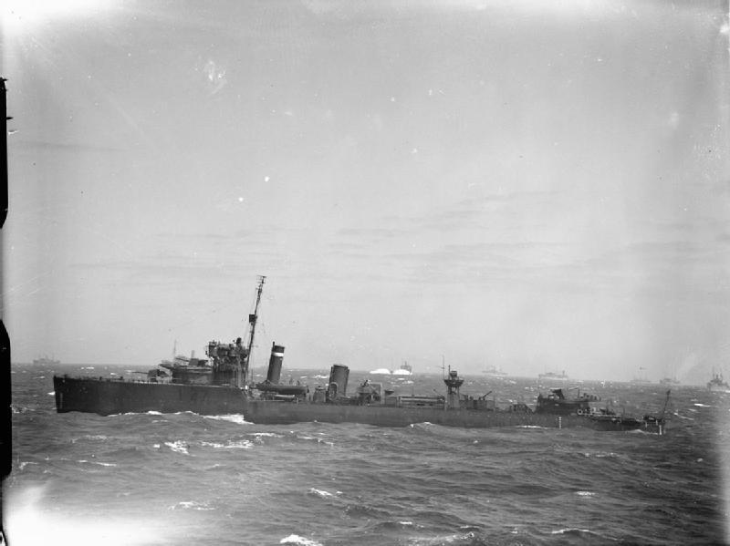 Destroyer HMS Walker underway, WWII (Imperial War Museum: A 4593)
