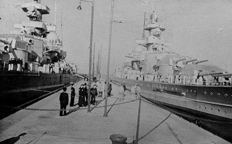 German battlecruisers Scharnhorst (left) and Gneisenau (right) in port, circa summer 1939 (US Naval History & Heritage Command: NH 42203)