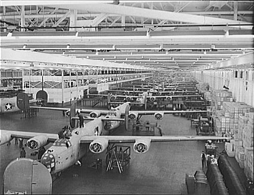 B-24E Liberator bombers on the assembly line at Ford's Willow Run plant, MI, between July 1942 and February 1943 (Library of Congress: LC-USE6-D-008798)