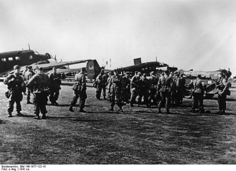 German paratroopers entering Corinth, Greece, April 1941 (German Federal Archive: Bild 146-1977-122-16)