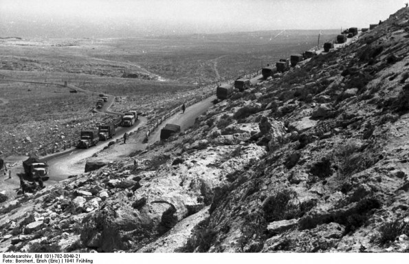 German troops advancing up the coast road toward British lines, Libya, spring 1941 (German Federal Archives: Bild 1011-782-0049-21)