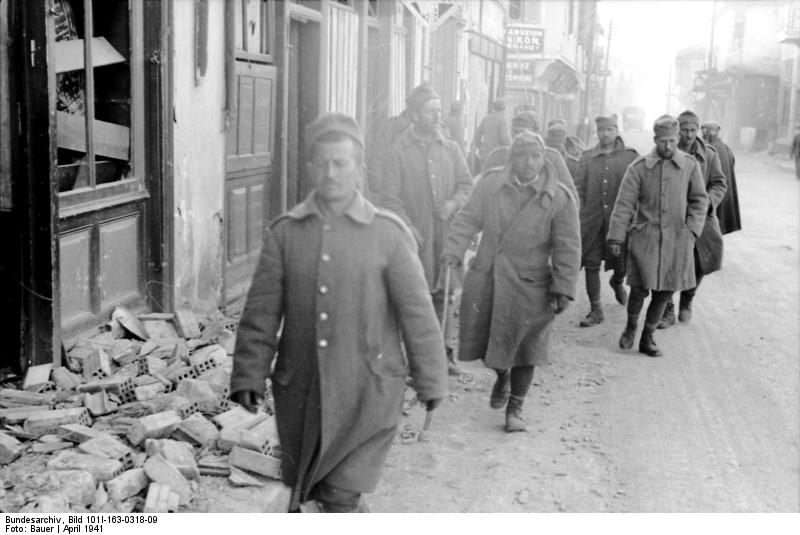 Greek soldiers in retreat in Greece, April 1941 (German Federal Archive: Bild 101I-163-0318-09)