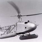 Igor Sikorsky in the last version of the VS-300, at the end of 1941 (US government photo)