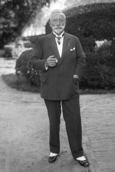 Kaiser Wilhelm II of Germany in exile in Doorn in the Netherlands, 1933 (German Federal Archives, Bild 136-C0804)