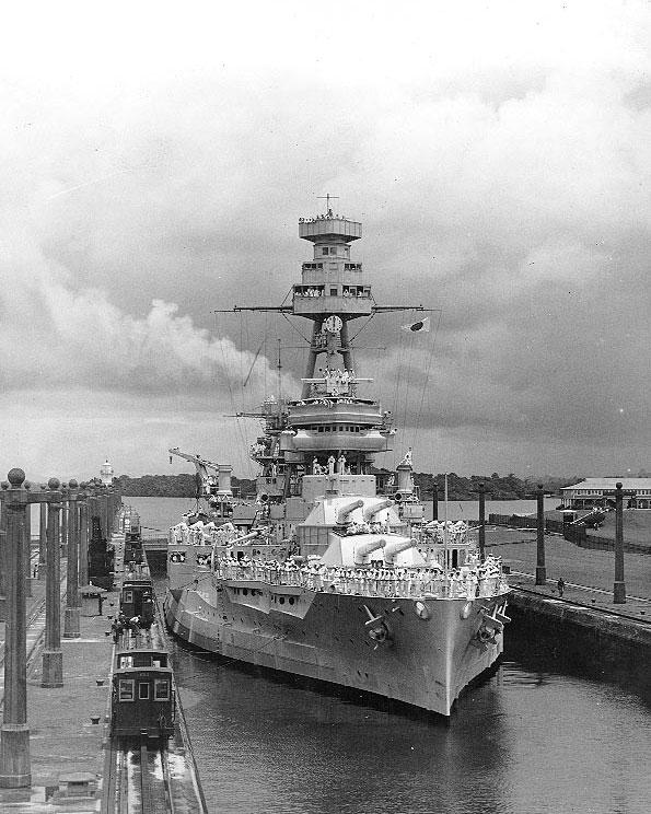 Battleship USS Texas in the Gatun Locks of Panama Canal, 21 Jun 1937 (US Naval History and Heritage Command: NH 63508)