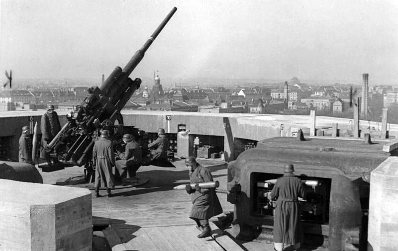 Berlin Zoo flak tower, April 1942 (German Federal Archive, Bild 183-H27779)