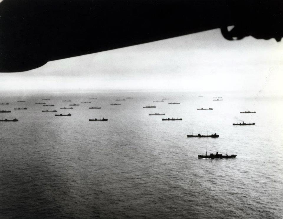 North Atlantic convoy photographed by a USS Ablemarle (AV-5) plane, October 1941. Note the large proportion of tankers in this convoy. At the time, USS Ablemarle was based at Argentia, Newfoundland (US National Archives: 80-G-405261)