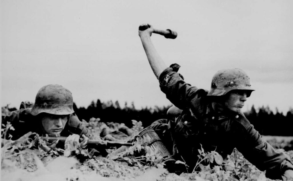 German infantrymen fighting in Russia, fall 1941 (US National Archives)