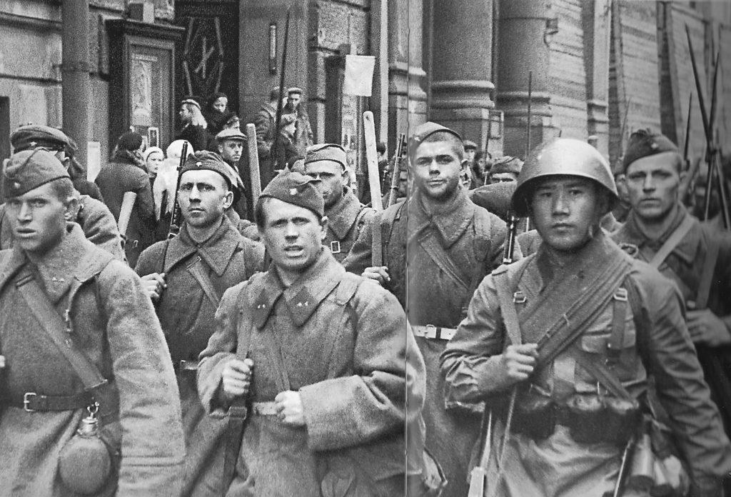 Soviet soldiers in Leningrad, Russia, 28 Sep 1941 (public domain via WW2 Database)