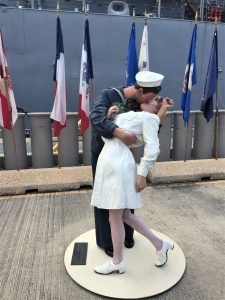 "Statue of ""The Kiss"" at the battleship USS Missouri, Pearl Harbor, Hawaii (Photo: Sarah Sundin, 7 Nov 2016)"