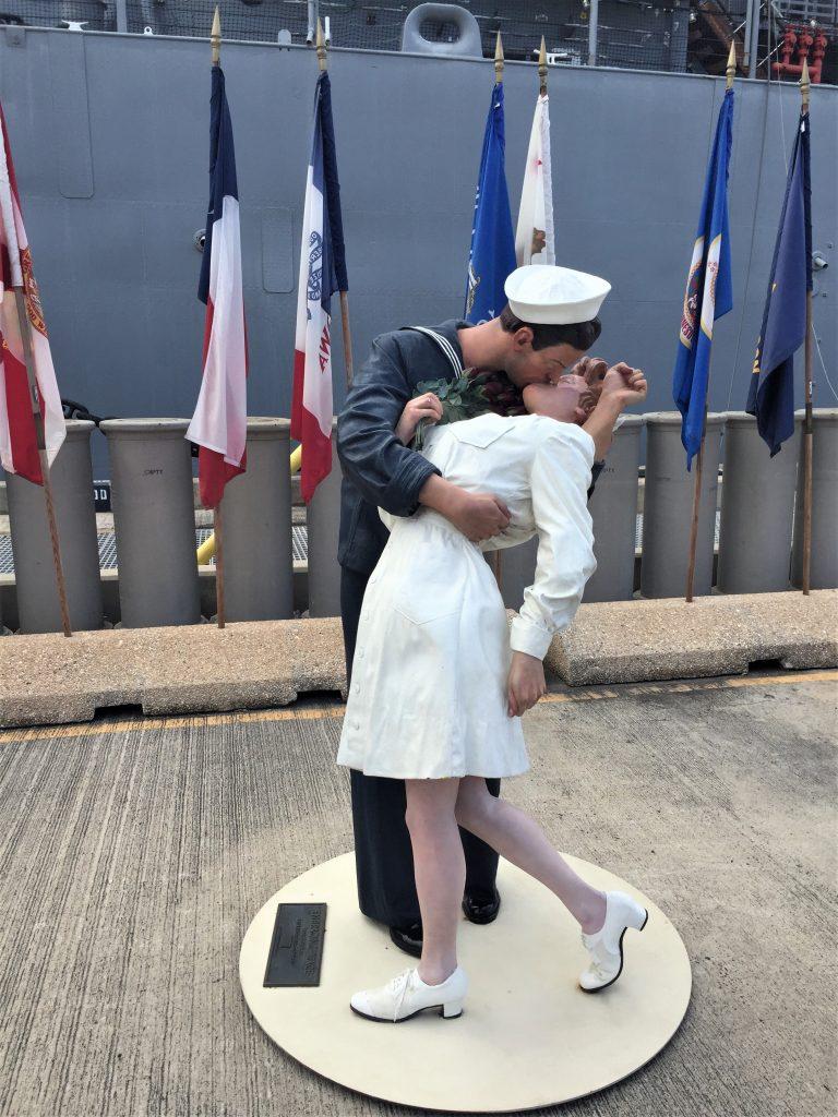 "Statue of ""The Kiss"" at the battleship USS Missouri, Pearl Harbor, Hawaii (Photo: Sarah Sundin, 7 Nov 2016)"