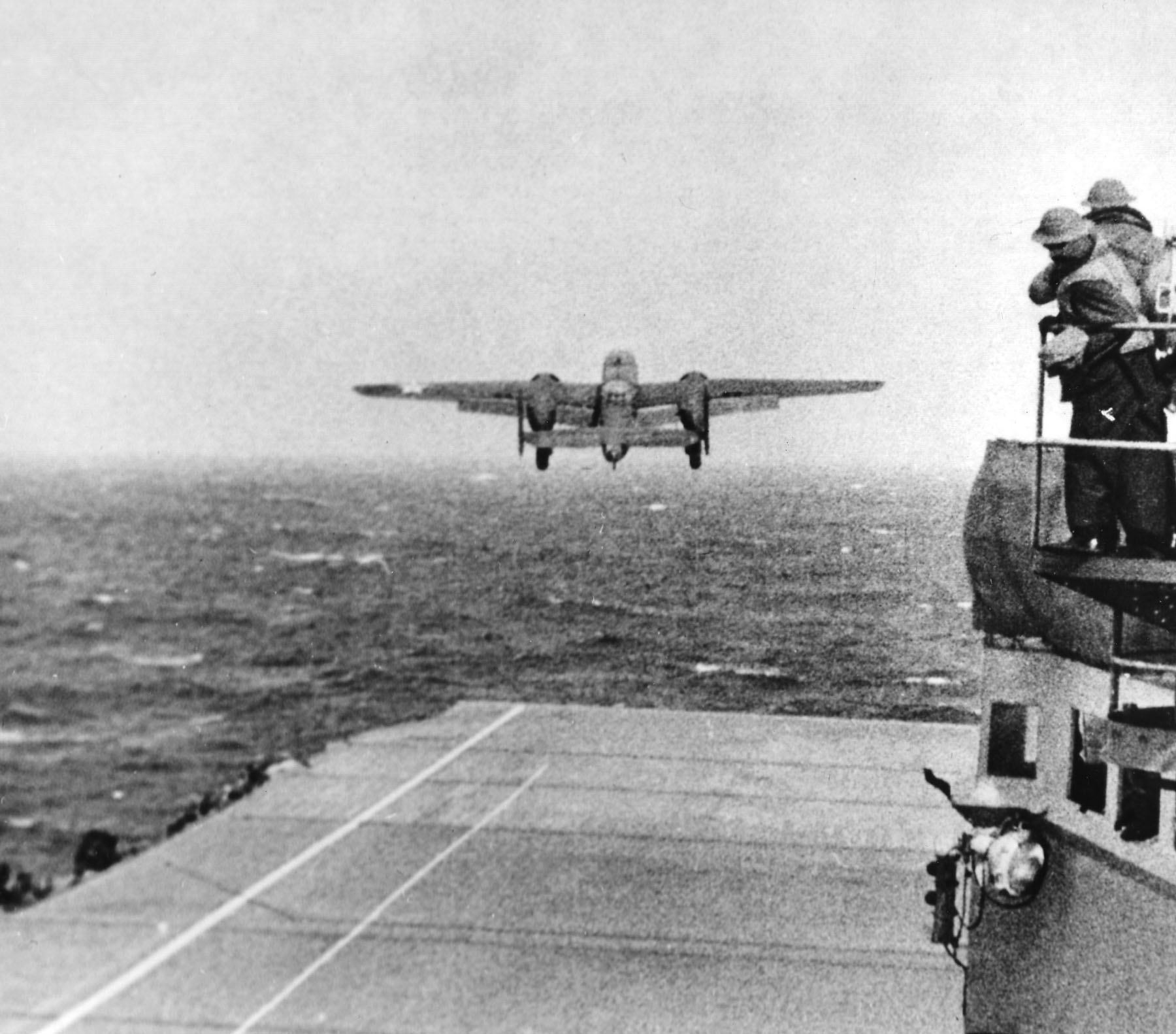 US B-25 taking off from USS Hornet for the Doolittle Raid, 18 Apr 1942 (US National Archives)