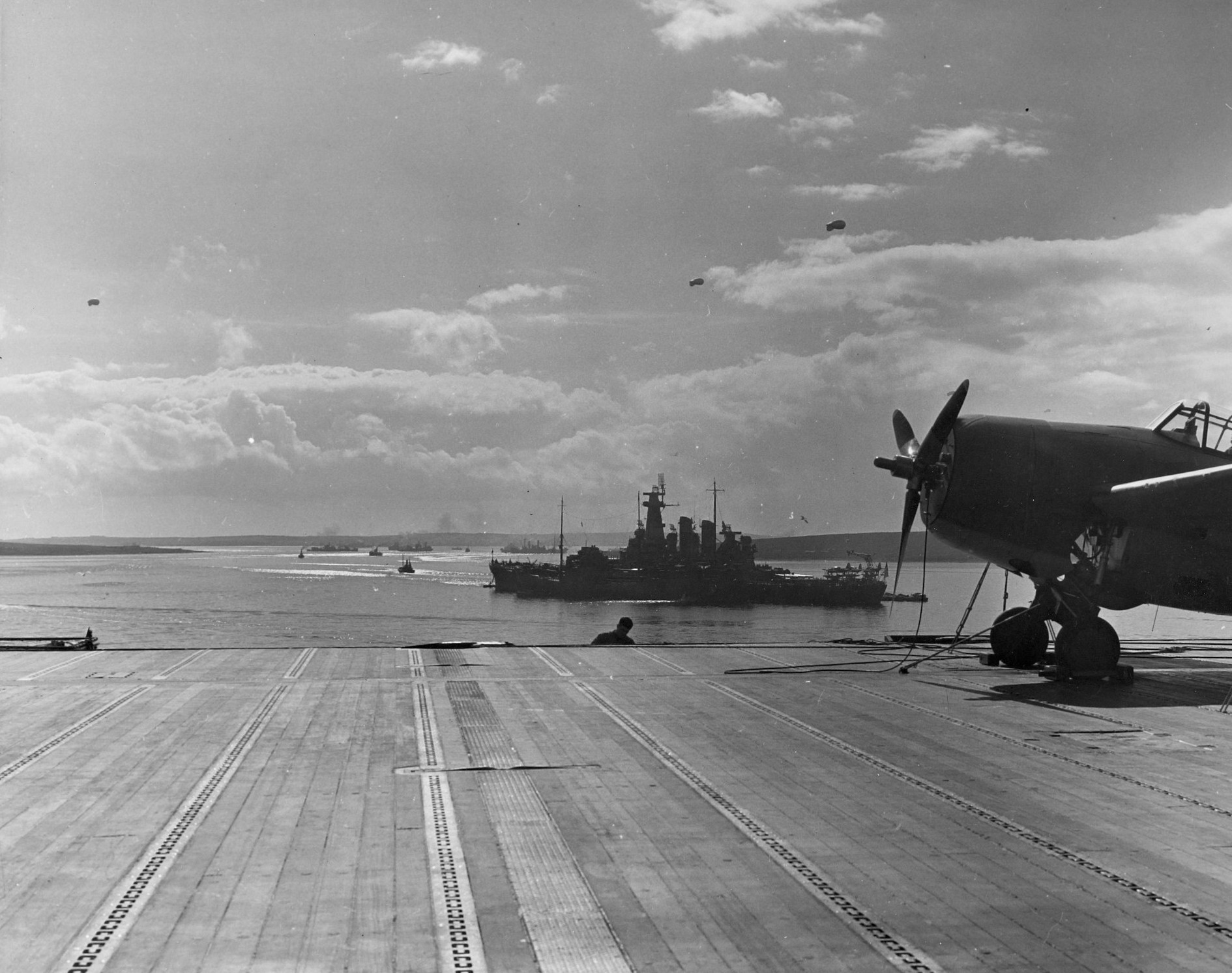 Carrier USS Wasp and battleship USS Washington of TF 39 at Scapa Flow, Scotland, 4 April 1942 (US Naval History and Heritage Command)